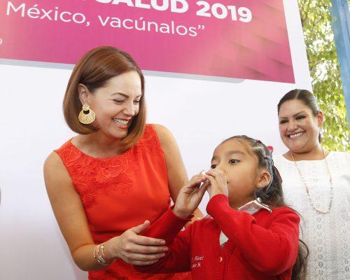 Karina Castro de Domínguez encabezó el arranque de la Segunda