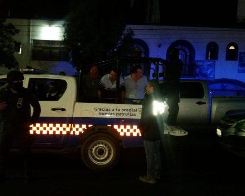 CATEO a un centro nocturno en San Juan del Río dio como resultado el aseguramiento de droga y al menos 30 personas detenidas.