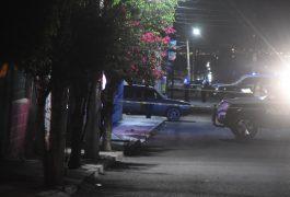 LAS VÍCTIMAS viajaban en un auto por la Av. Chulavista, cuando fueron atacados.