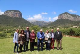 Catalina Font, vice presidenta de la Fundación, Gerardo Pedraza, Olga, Sr. Bartolomé Bestard Bonet, presidente de la Fundación Serra, Margarita Vida, Toni Ribot Roselló y Mateo Pizá.
