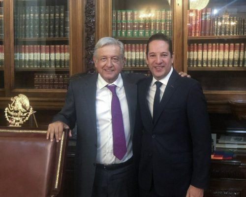 Presidente Andrés Manuel López Obrador y presidente de la Conago, el gobernador Francisco Domínguez Servién